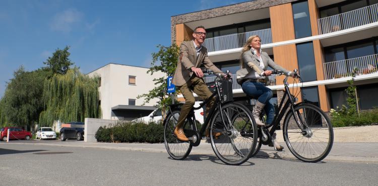 2 werknemers duurzaam op weg met onze stadfietsen